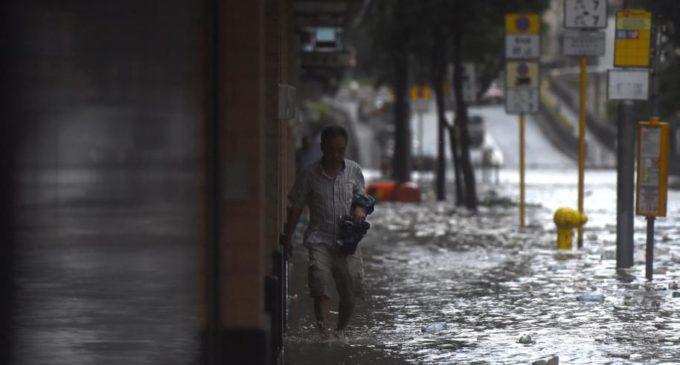 El tifón Hato deja seis muertos en Macao y Hong Kong