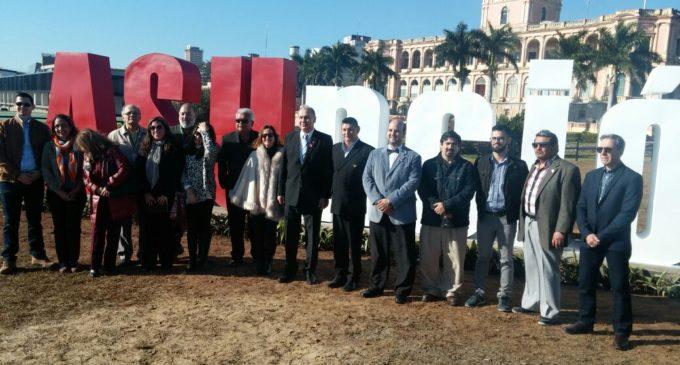 Inauguran escultura de ASUNCIÓN en el Palacio de López