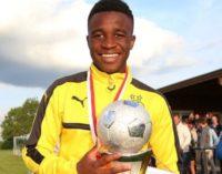 """Borussia Dortmund hizo debutar a su """"Messi africano de 12 años"""" en la categoría sub-17"""