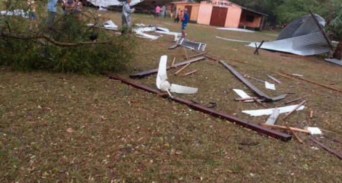 Temporal causó destrozos en Carmelo Peralta