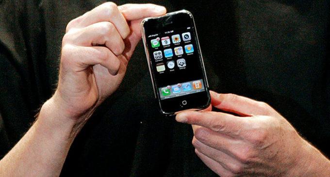 Adiós a los primeros iPhone y Nokia