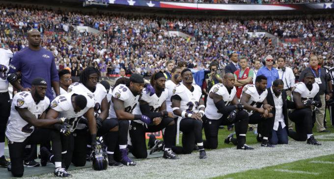 Los equipos de la NFL 'taclean' a Trump por ataque a protestas y reclamos de sus jugadores