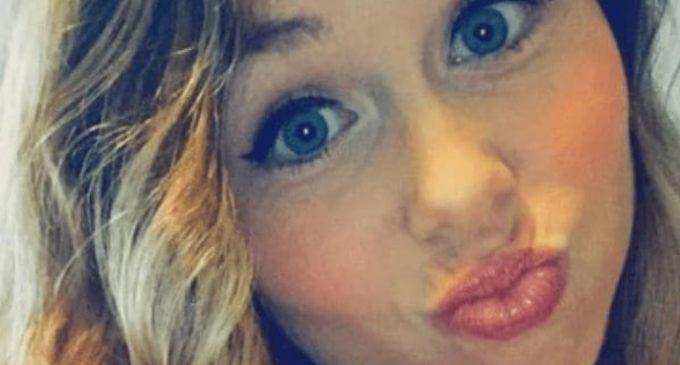 La esposa de un entrenador de fútbol americano violó a un jugador de 16 años del equipo de su marido