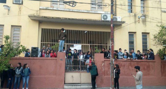 Estudiantes tomaron nuevamente colegios