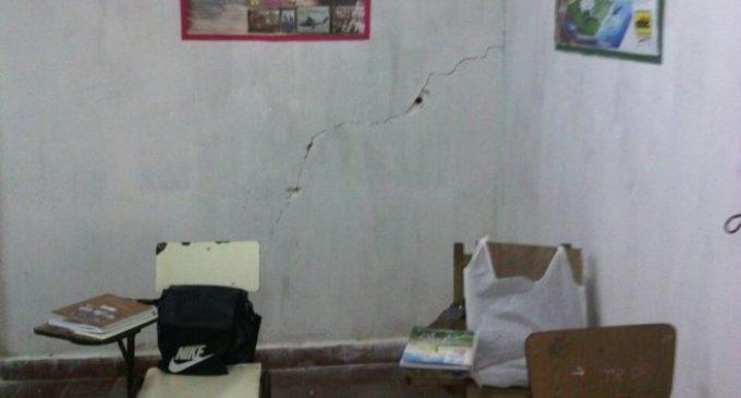 Más de 300 niños se exponen a peligro de derrumbe de escuela en Ñemby