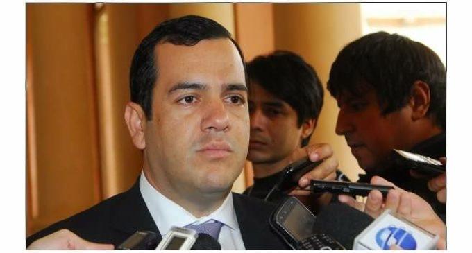 """""""Hacienda es irresponsable por no transferir fondos de funcionarios"""", dice Friedmann"""