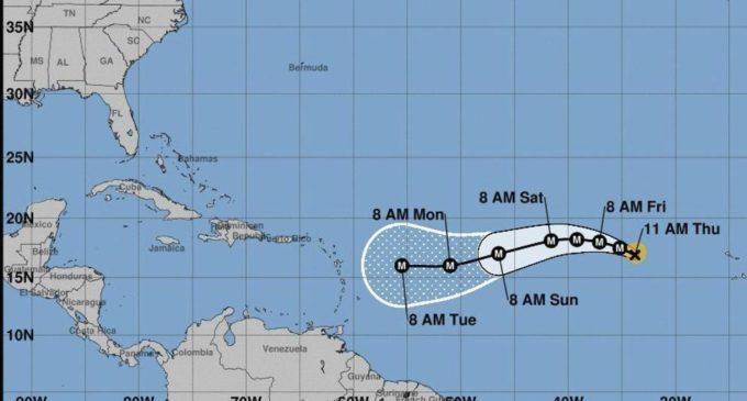 El huracán Irma gana fuerza en su ruta hacia el Caribe