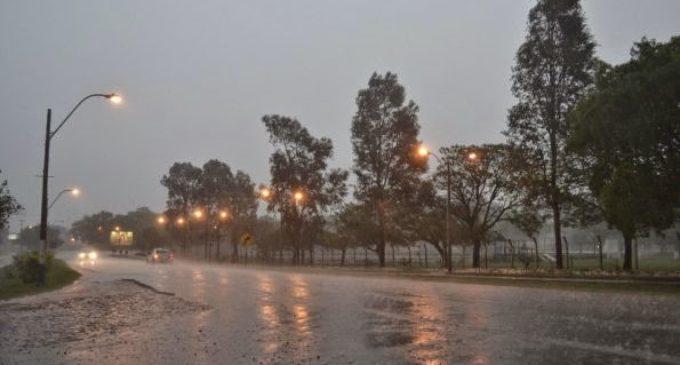 Meteorología anuncia jueves lluvioso