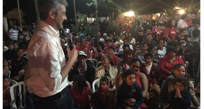 """Mario Abdo dice que el 17 de diciembre celebrará con sus seguidores cenando """"guiso de gallina mbatará"""""""