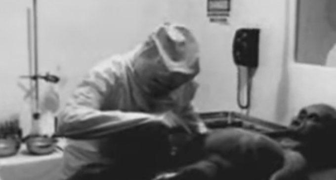 Un productor revela la verdad detrás del video de la 'autopsia a un extraterrestre en 1947'