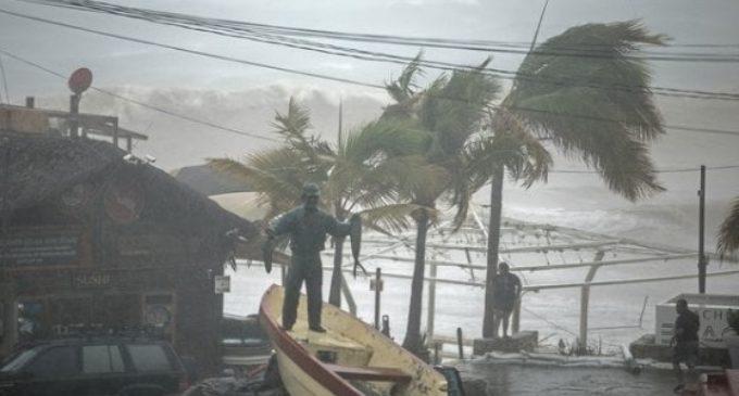 México: Tormenta Lidia ya deja cuatro muertos e inundaciones mientras recorre península de Baja California