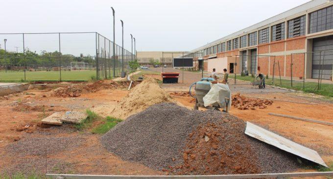 Nuevas canchas en construcción para niños, en predio de la SND