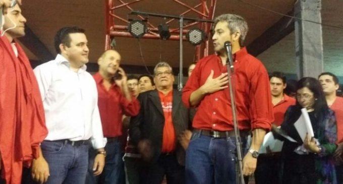 "Quieren ""re-expulsar"" a Petta de la ANR"