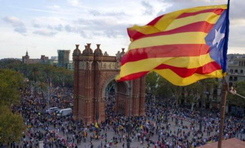 Cataluña declaró su independencia pero esta queda suspendida