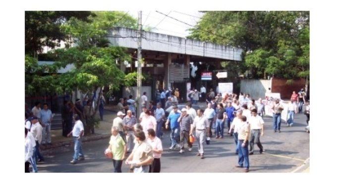 Continúan negociaciones entre Gobierno y funcionarios de la ANDE