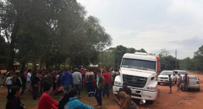Identificaron a mujer que encabezó turba que saqueó camión de la SEN en Canindeyú