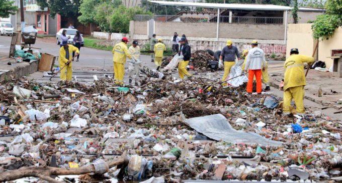 Casi 30.000 kilos de basura fueron recogidos tras temporal de ayer