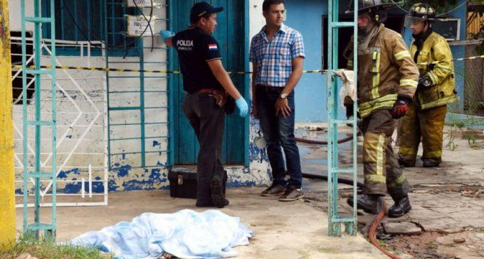 Un hombre mató a su nuera e intentó quemar su casa con sus nietos adentro