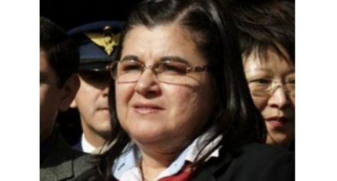 Veterinarios piden renuncia de Decana