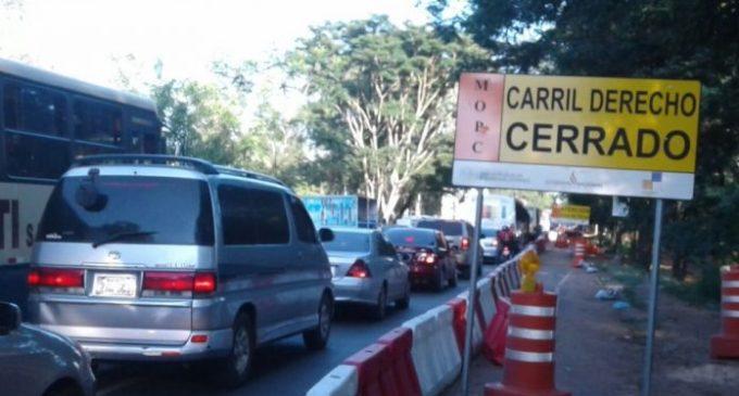 Caos total en tráfico de San Lorenzo por obras del Metrobús