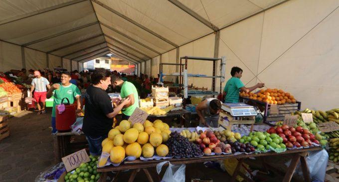 Mercado de Abasto: Vendedores afectados ofrecen sus productos en carpas