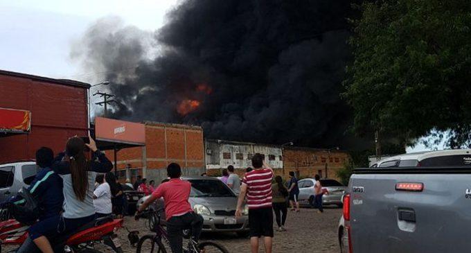 Voraz incendio en el Mercado de Abasto