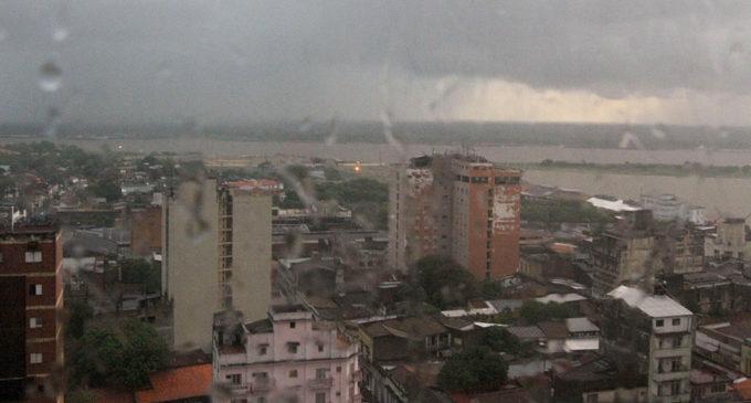 Lluvias y tormentas seguirán este lunes en todo el país