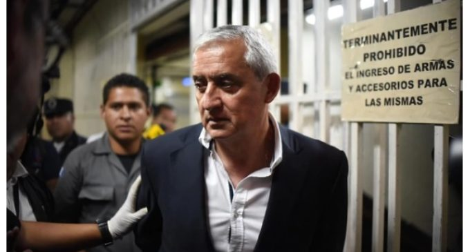 Expresidente de Guatemala es enviado a juicio por corrupción