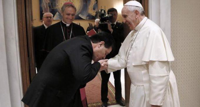 Cartes se despedirá del papa en noviembre