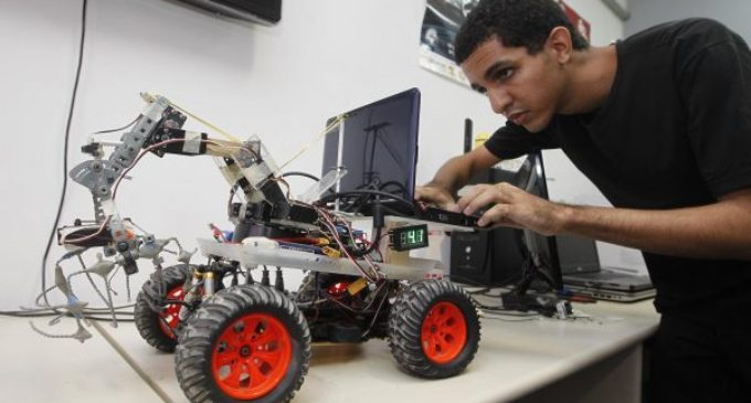 Lanzan cursos gratis de robótica