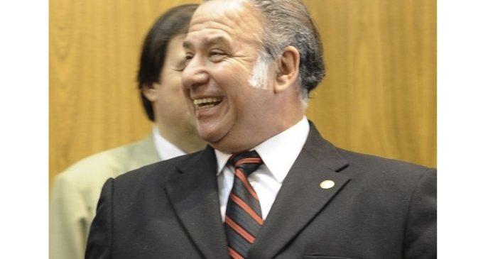 No alcanzaron los votos para suspender a Óscar González Daher
