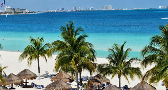 """""""El empleo de tus sueños"""": Ofrecen 60.000 dólares por trabajar vacacionando en Cancún"""