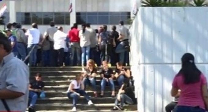 Trabajadores de la ANDE retoman manifestaciones