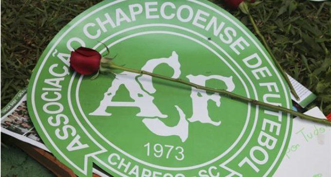 Homenajean a fallecidos del Chapecoense