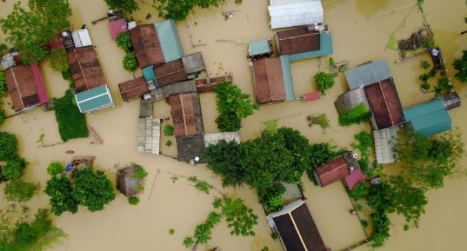 El tifón Damrey deja al menos 27 muertos tras su paso por Vietnam
