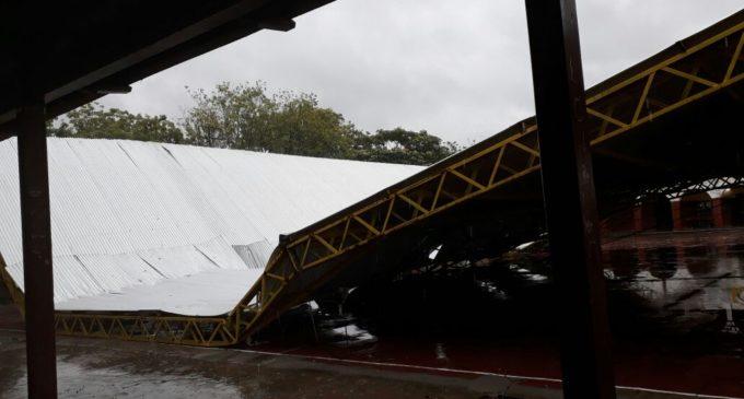 Destrozos y centenares de familias damnificadas tras paso de temporal en Ñeembucú