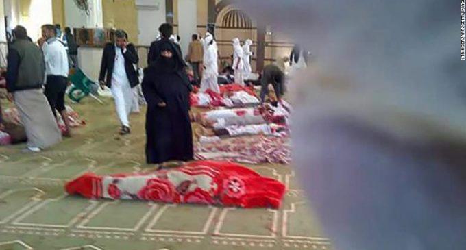 Egipto: Elevan a más de 300 la cifra de muertos por el ataque en una mezquita