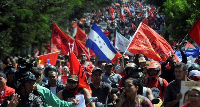 Honduras: Masivas manifestaciones y protestas por supuesto fraude electoral