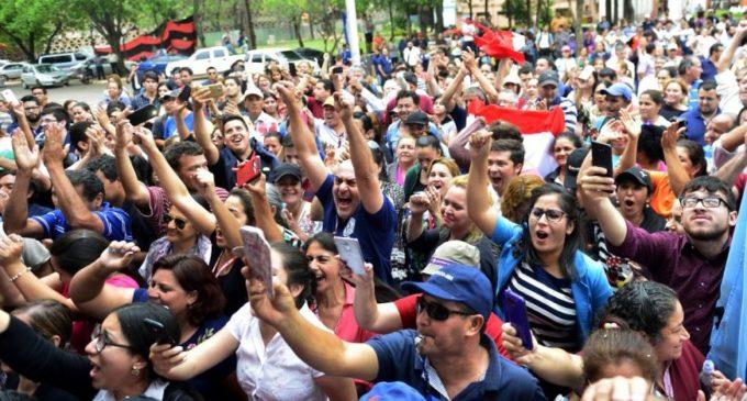 Funcionarios de la UNA anuncian manifestación frente al Congreso
