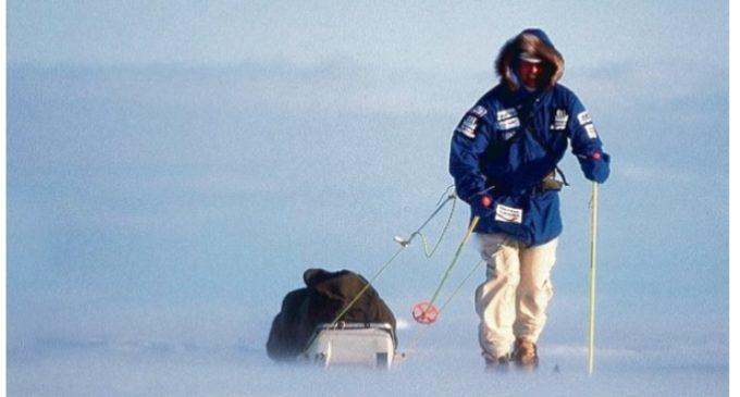 Todo, en busca de silencio: Un hombre caminó hasta el Polo Sur y subió hasta la cima del Monte Everest