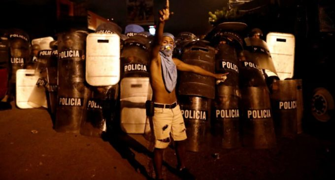 Honduras: reclaman fraude electoral y salen a las calles