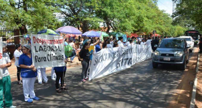 Funcionarios del Hospital de Clínicas bloquearán avenida Mariscal López