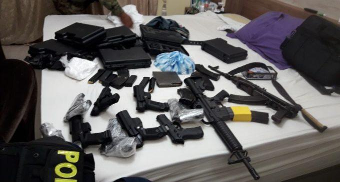 Incautan drogas, armas, municiones de guerra y detienen a seis personas en allanamientos en Pedro Juan Caballero