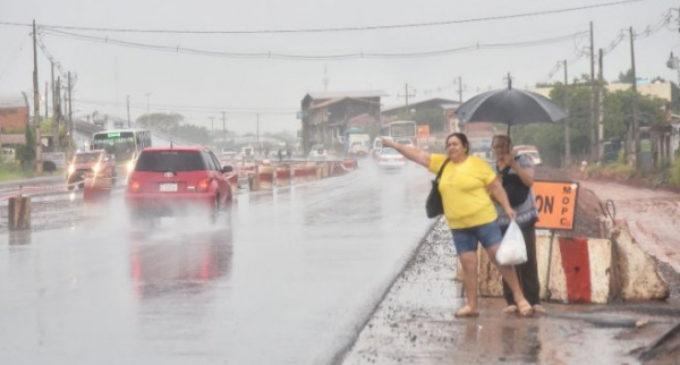 Anuncian lluvias y tormentas para ocho departamentos