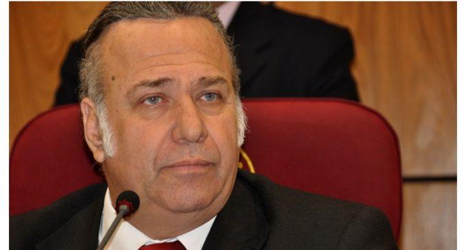 Senadores opositores piden suspensión de Óscar González Daher