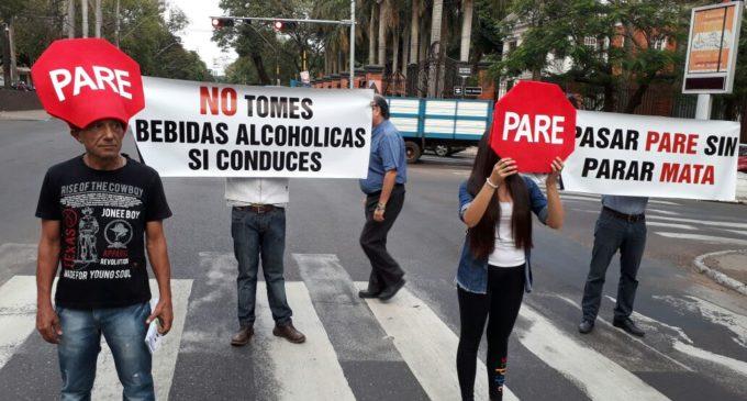 Realizan campaña de concienciación vial en Asunción