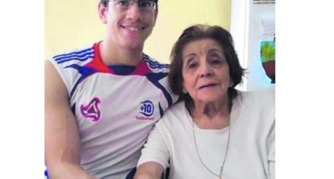 Se casó con su abuela de 91 años, ella falleció y ahora él demanda una pensión