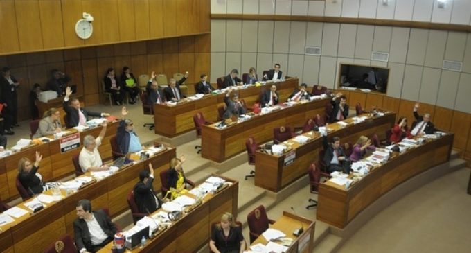 Reclamos de funcionarios de UNA, empleados de ANDE, docentes: Cargada agenda en análisis de Presupuesto