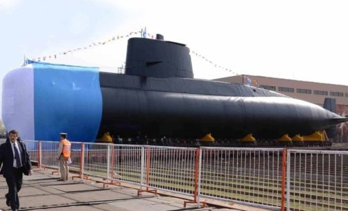 Desaparece submarino argentino con 44 tripulantes a bordo