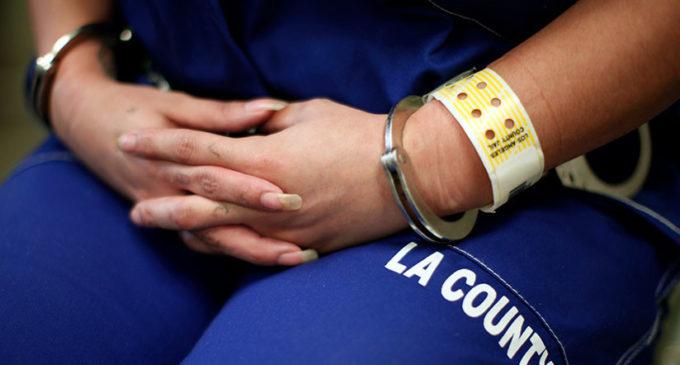 EE:UU: Condenan a 10 años de cárcel a mujer que se casó con su madre